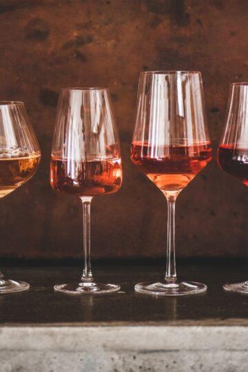 razlicite case vina namjenjene vinima